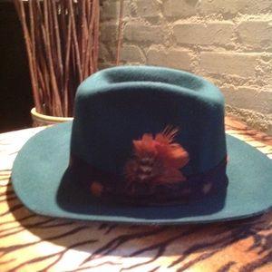 NEW! Wyeth hunter feather hat